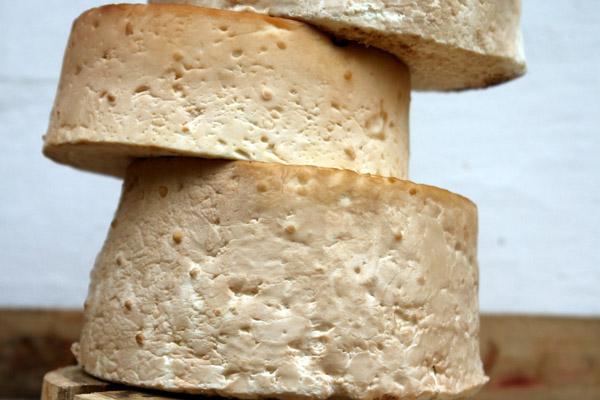 Fromage de chèvre au lait cru ou pasteurisé : Les différences